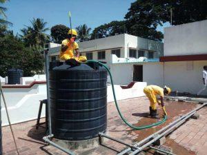 فحص خزانات المياه